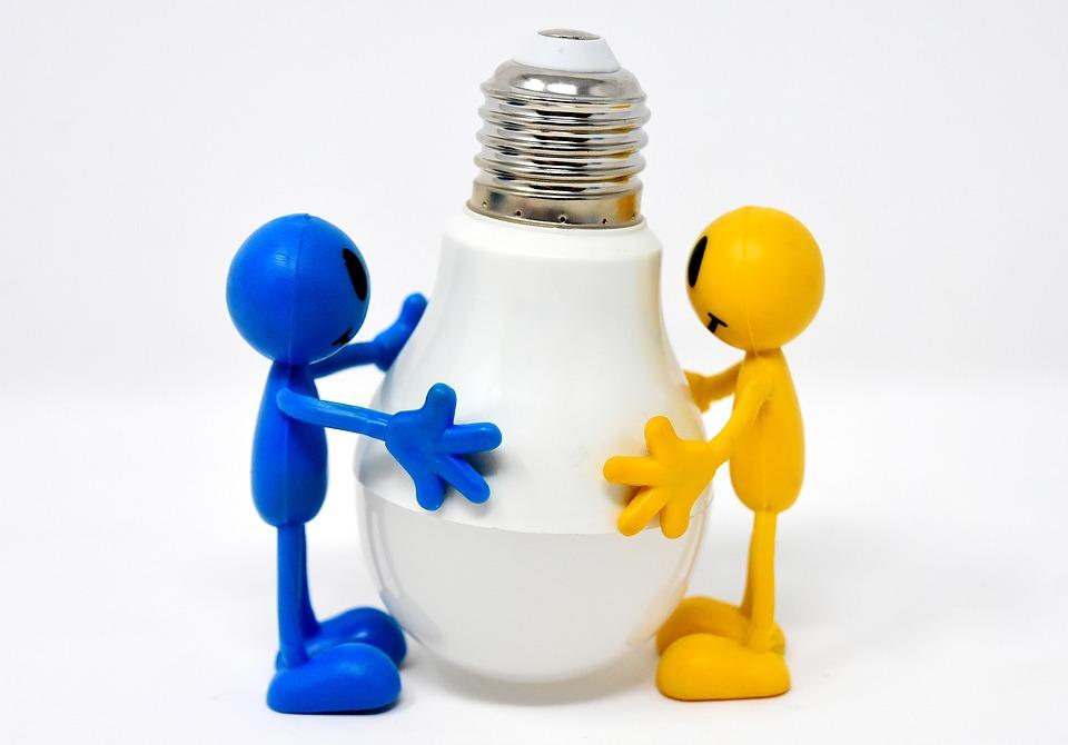 figurky s žárovkou