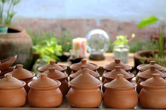 keramické nádobky