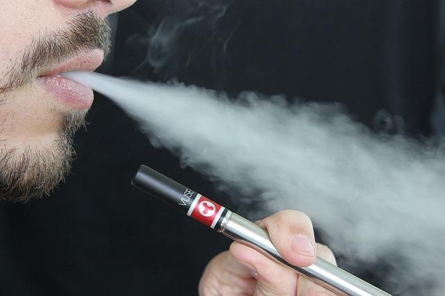 kouř z e cigarety