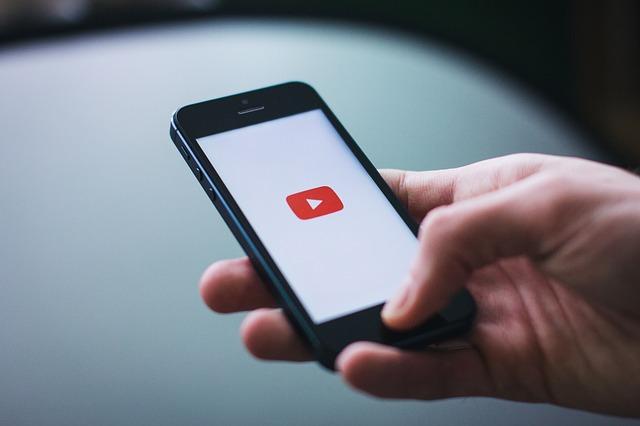 mobil a logo YouTube
